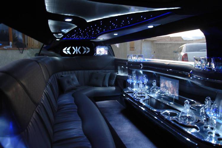 Enterrement de Vie de Garçon Montpellier Crazy-evG Chrysler Limousine