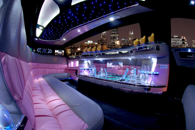 Junggesellenabschied Pink Cadillac Limo Bukarest