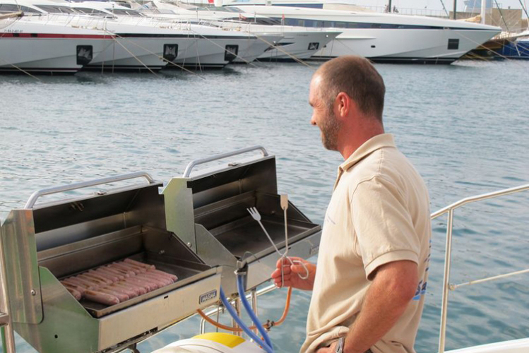 catamaran Barcelone enterrement de vie de jeune fille