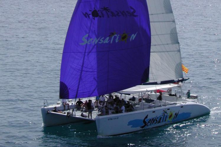 Enterrement de Vie de Garçon Gay à Barcelone Crazy EVGay Catamaran Party