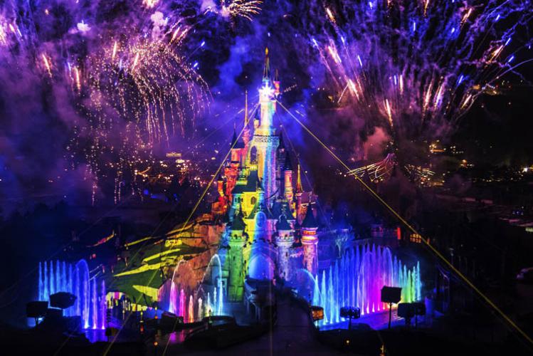 Enterrement de Vie de Garçon Gay Paris Crazy-EVGay DisneylandParis