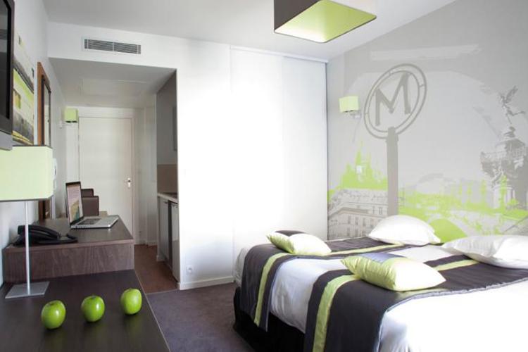 Enterrement de Vie de Garçon Paris Crazy EVG Appart'hôtel
