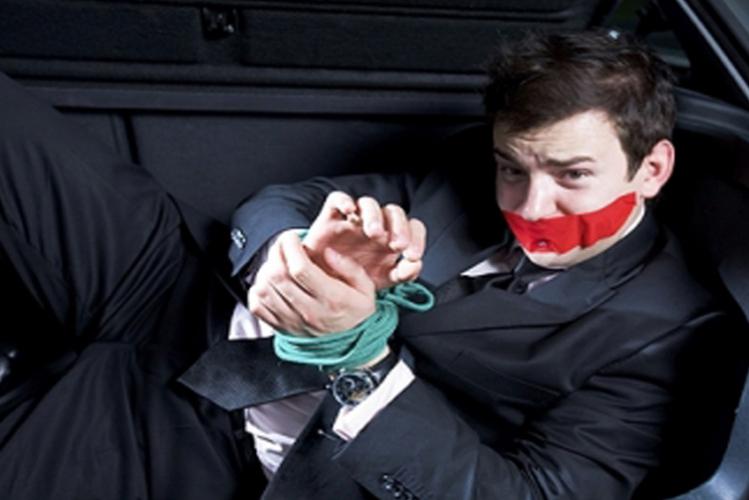 Enterrement de Vie de Garçon à Bratislava Crazy-evG fausse arrestation