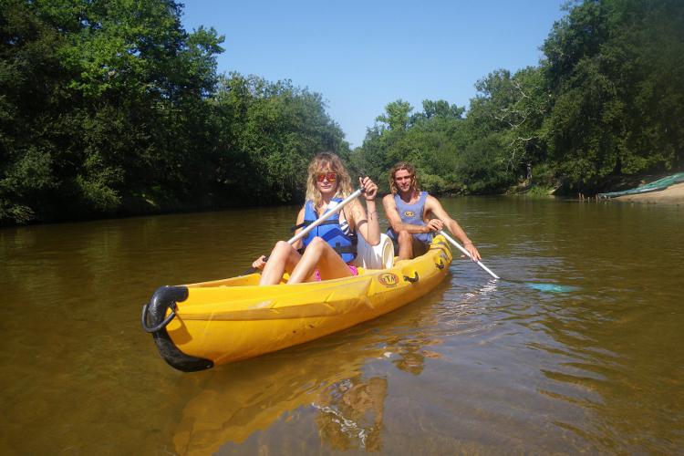 Enterrement de vie de jeune fille arcachon Crazy EVJF canoe