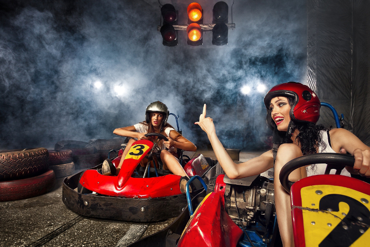 karting indoor bi re varsovie enterrement de vie de gar on partez avec crazy evg 3000. Black Bedroom Furniture Sets. Home Design Ideas