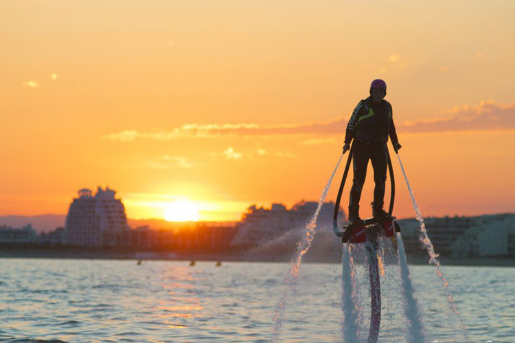 Enterrement de Vie de Jeune Fille Montpellier Crazy-evjf Flyboard