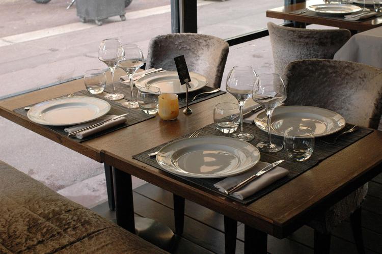 Enterrement de vie de jeune fille à Marseille Crazy EVJF Diner Lounge