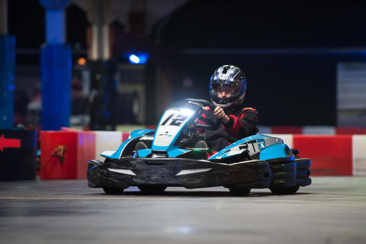 Enterrement de vie de jeune fille à Strasbourg Crazy EVJF Karting indoor