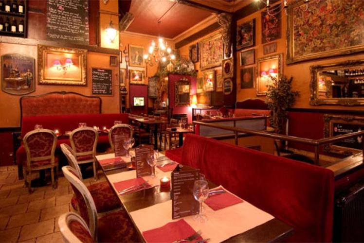 Enterrement de Vie de Garçon Paris Crazy EVG Diner, strip et club