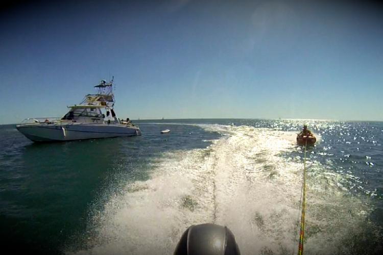 Une balade de 4h en Méditerrannée avec notre boat de 11 places ! Parfait pour les groupes à la recherche d'exclusivité lors de leur EVG !