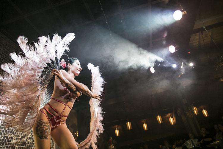 Enterrement de Vie de Jeune Fille à Milan - Crazy-EvjF Dîner Spectacle