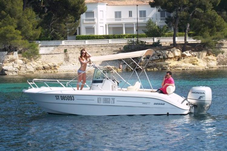 Enterrement de vie de jeune fille à Nice Crazy EVJF après midi en mer
