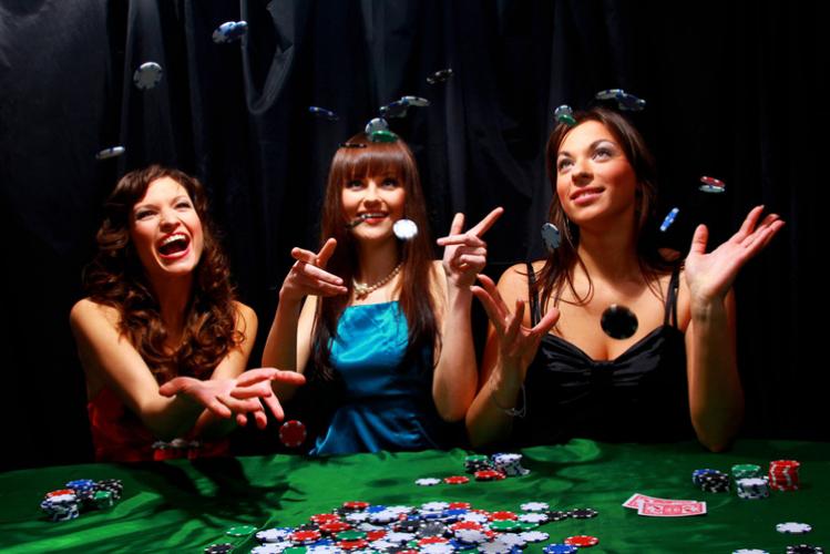 Enterrement de vie de jeune fille Crazy EVJF Deauville soirée casino boîte brummel