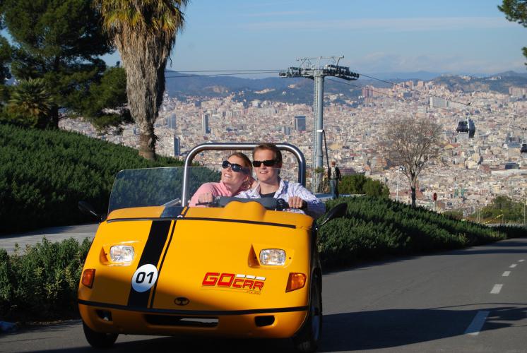 Enterrement de Vie de Garçon Gay à Barcelone Crazy EVGay GoCars Tour