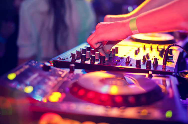 enterrement de vie de jeune fille barcelone salsa tapas club crazy evjf
