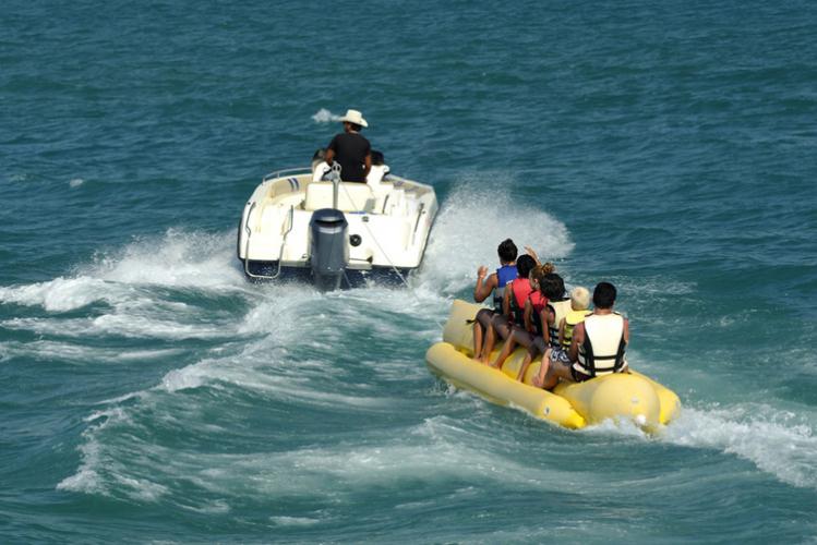 Enterrement de Vie de Garçon à Barcelone Crazy-EVG Banane + speed boat