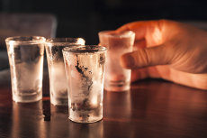 Dégustation de Vodka  pour mon séminaire à Cracovie | Séminaire | idée séminaire | voyage d'affaires | activité séminaire | Incentive | séminaire festif | collègues | congrès | colloque | meeting | conférence