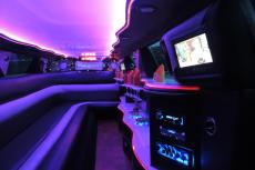Transfert limousine (14pers) pour mon EVJF à Amsterdam | Enterrement de vie de jeune fille | idée evjf | idée enterrement de vie de jeune fille | activité evjf |activité enterrement de vie de jeune fille