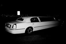 Transfert Limo aéroport pour mon EVG à Tallinn | Enterrement de vie de garçon | idée enterrement de vie de garçon | activité enterrement de vie de garçon | idée evg | activité evg