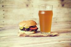Beer and Burger  pour mon séminaire à Berlin | Séminaire | idée séminaire | voyage d'affaires | activité séminaire | Incentive | séminaire festif | collègues | congrès | colloque | meeting | conférence
