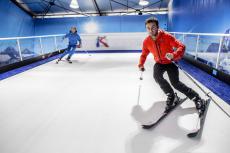 Ski Indoor  pour mon séminaire à Lyon | Séminaire | idée séminaire | voyage d'affaires | activité séminaire | Incentive | séminaire festif | collègues | congrès | colloque | meeting | conférence