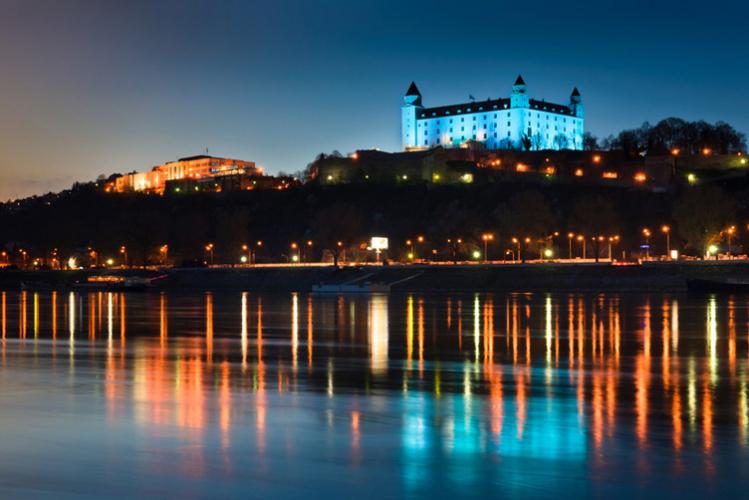 Crazy-Vrijgezellenfeesten in Bratislava, een fantastische tijd met je vrienden! Kies een pakket of stel je eigen programma samen.