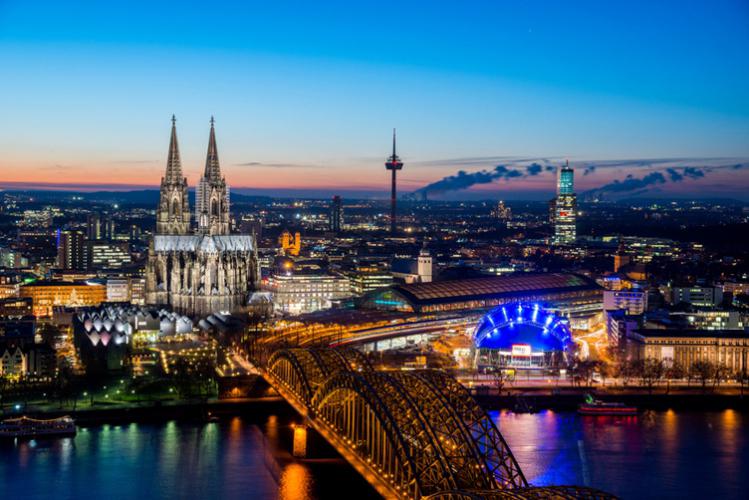 Crazy-Weekend organise votre séjour à Cologne, découvrez nos packages ou choisissez votre programme à la carte.