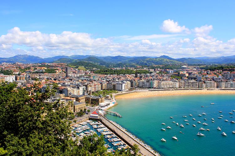 Crazy-Despedidas organiza tu despedida de soltero en San Sebastián, descubre nuestros paquetes o elige tu programa a la carta.